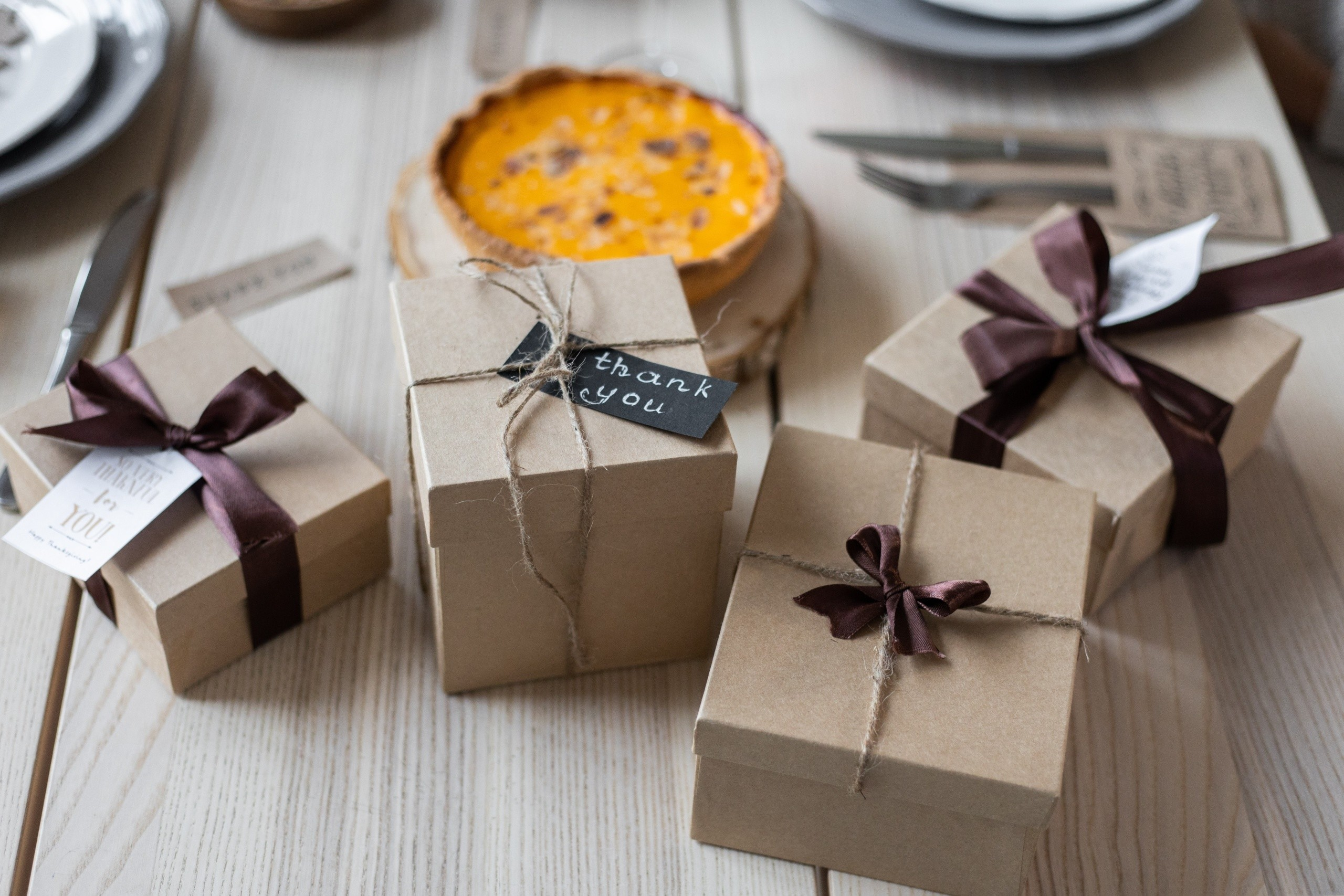 Save Money This Thanksgiving With Personalized Gifts