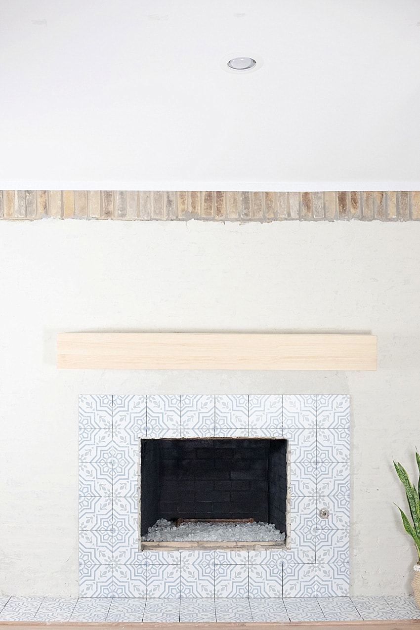 diy fireplace makeover with venetian