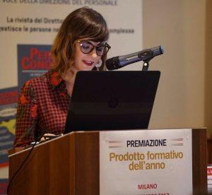 Giulia Fortunato legge 'Strana gente i formatori'