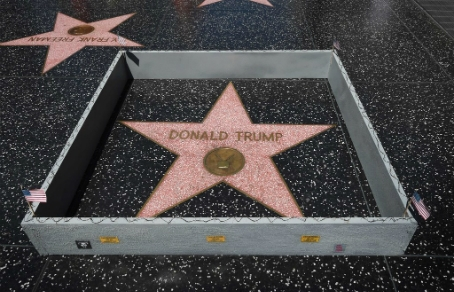 Власти Западного Голливуда призвали убрать звезду Трампа с ...