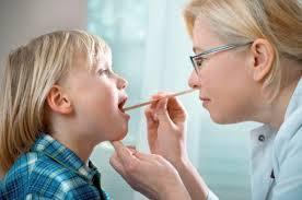 دراسة علمية جديدة : استئصال اللوزتين يزيد طاقة الطفل