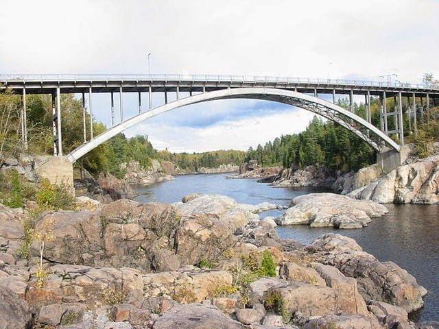 جسر أرفيدا : أكبر جسر في العالم من الألومنيوم
