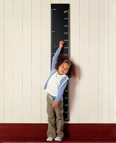 لماذا يزداد طول الإنسان و هو نائم ؟