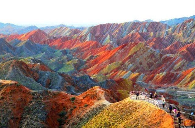 جبال قوس قزح بالصين و جمال طبيعي خلاب 10