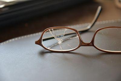 لماذا يتجاهل أطباء العيون تلك النظارة وما سر عملها ؟ Pinhole Glasses 5