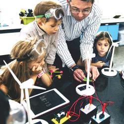 مساحات الصناع Makers Spaces : فرصة ثمينة لتعليم  أكثر إبداعاً ! 1