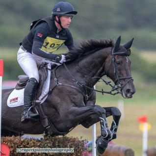 Rupert Gibson Photography - Oliver Townend riding MHS King Joules4