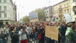 Kurzzeitig war die Bergheimer Straße fest in der Hand der Hanfaktivisten. Bild: Hanfverband Rhein-Neckar/privat.