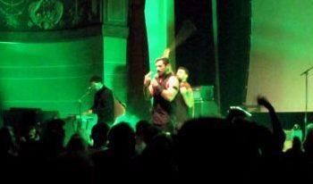 Die libanesische Band Mashrou Leila gibt das Eröffnungkonzert des Enjoy Jazz Festivals.