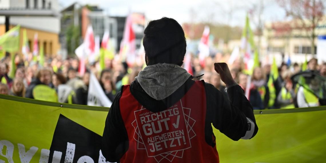Die Gewerkschaft Verdi forderte eine Lohnerhöhung von 8 Prozent für die Beschäftigten in der Pflege. Foto: Nicolaus Niebylski
