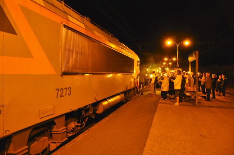 Train de nuit !  La gare d'Assier et d'autres dans l'action.