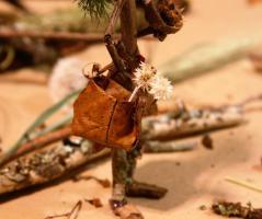 Leaf Purse