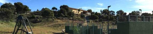 Casa rural para grupos con padel piscina y futbol