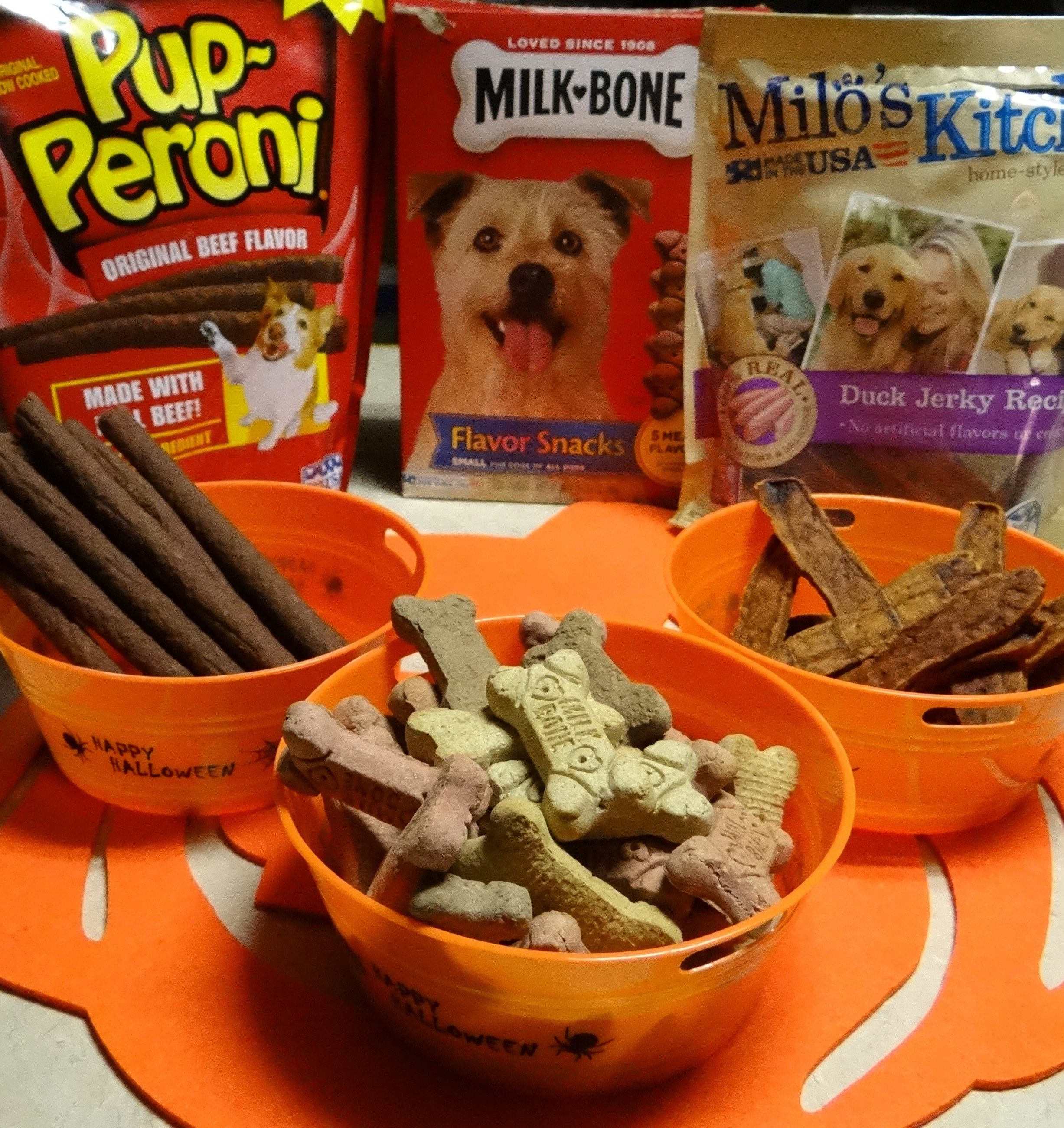 Halloween Pumpkin Peanut Butter Dog Treats Recipe #TreatThePups ...