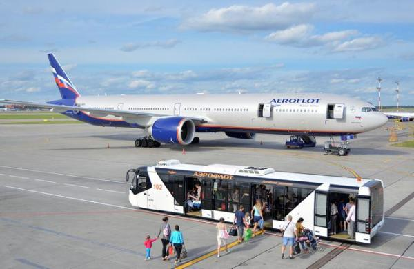 Aeroflot climbs out of red posts profit for 2016