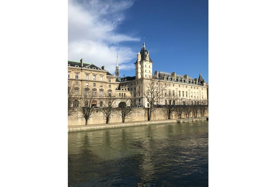 ANNA_GRAY_ParisBeauty