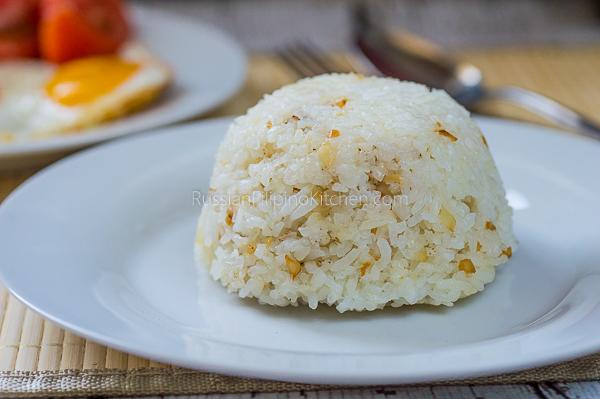 Filipino Garlic Fried Rice (Sinangag)