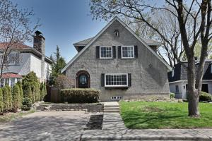 1,035,000$.  70, Av. Beverley Mont Royal