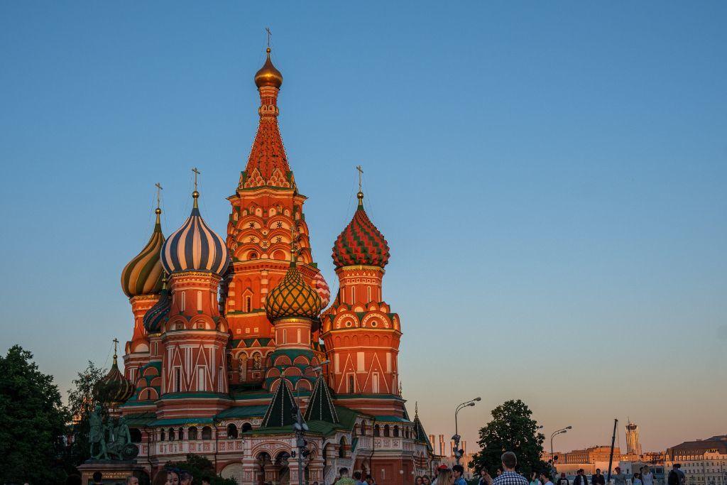 Die Basilius Kathedrale in Moskau bei Sonnenuntergang