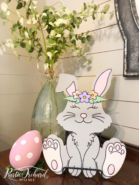 This Easter Craft is perfect for those looking for Spring Farmhouse Home Decor DIY Projects!! #rusticorchardhome #easterbunny #springfarmhousehomedecordiy #springfarmhousedecor #easterhomedecorDIY