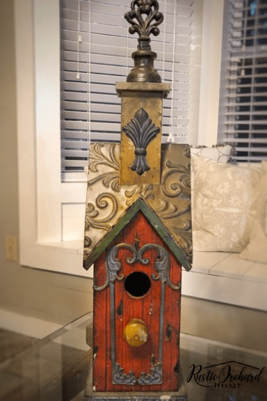 This Thrift Store Upcycle project can be used to turn cheap finds into home decor treasures. This is the ultimate way to create home decor on a budget. #rustictorchardhome #thriftstoreupcycle #thriftstorehomedecor #homedecoronabudget #budgetfriendlydecor