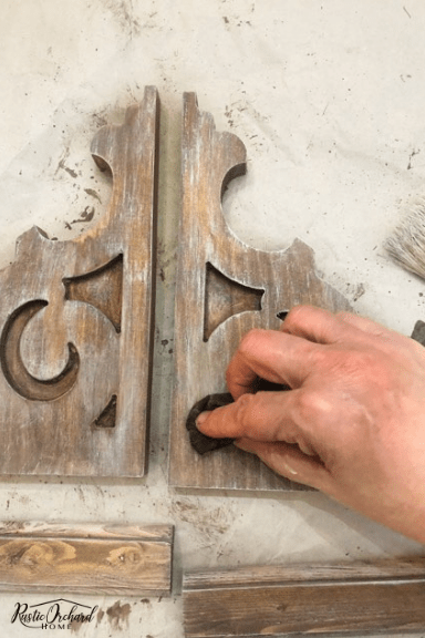 :earn how to paint the perfect DIY farmhouse corbels! #rusticeorchardhome #corbels #farmhousehomedecor #farmhouseDIYhomedecor #dixiebelleproject