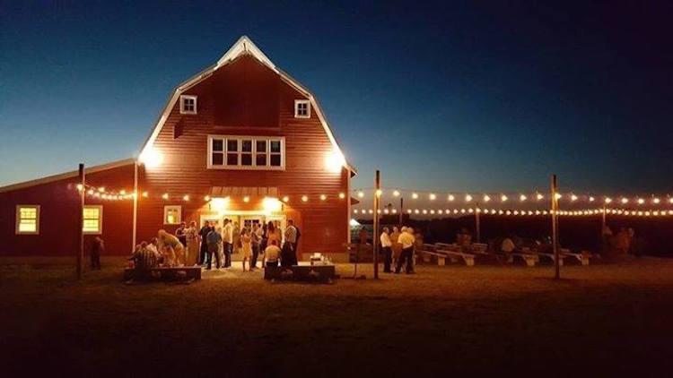 Top Barn Wedding Venues North Dakota Rustic Weddings