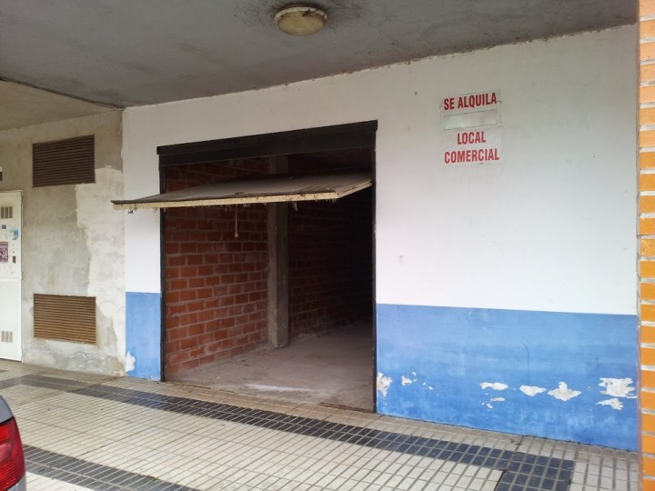 LOCAL EN RENEDO.  Bº LLOSACAMPO. Ref 1391 A