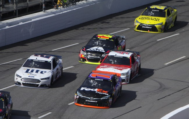 Drivers fight to take the lead in the closing stages of the STP500. Photo by Halle Edwards.
