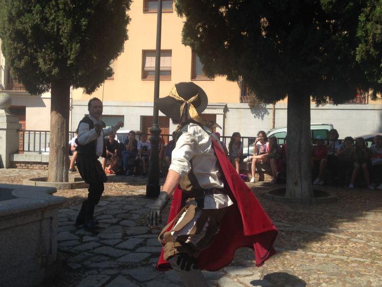 Teatro en una plaza de Toledo, para un Centro Educativo