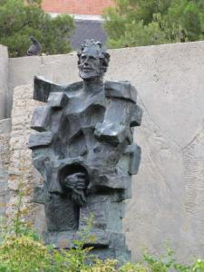 Monumento a Julian Besteiro (4)