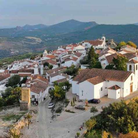 camina_por_el_parque_natural_sao_mamede_rutas_pangea