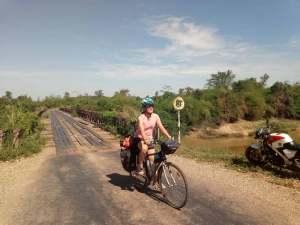 Laura en bici por Tailandia