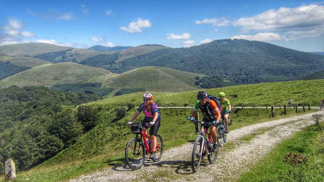 Rutas Pangea Valle del Baztán en bici