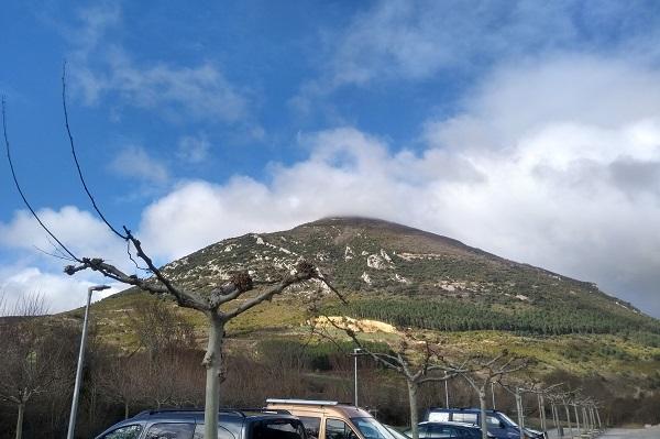 La Higa de Monreal - Elomendi desde el parking