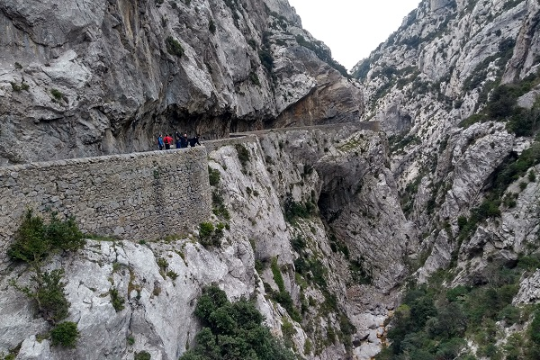 Carretera tallada en roca - Gorges de Galamus