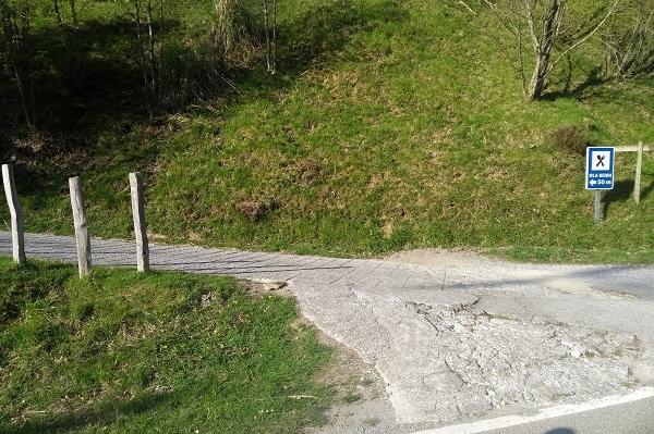 Abandonar carretera hacia Ola Berri