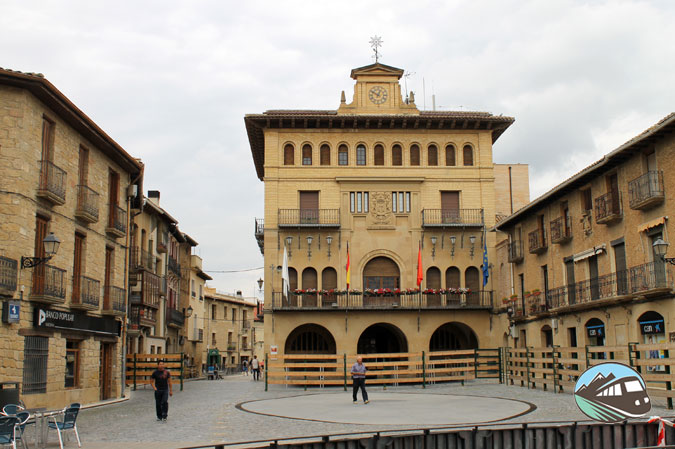 Plaza Mayor de Olite