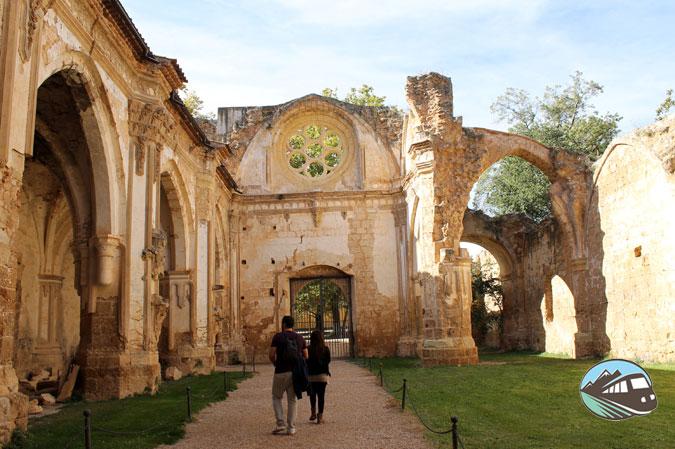 Iglesia - Monasterio de Piedra