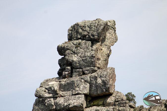 Roca con forma de cabeza de Guarda Civil - Monfragüe