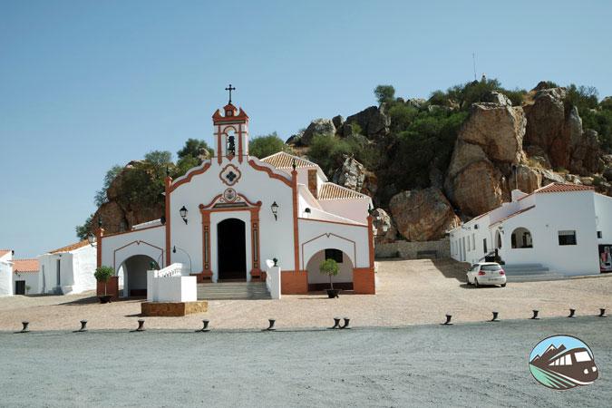 Ermita de la Virgen de la Peña - Puebla de Guzmán