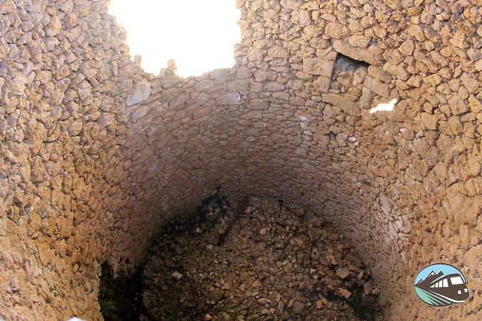 La cava de l'habitació – Sierra Mariola