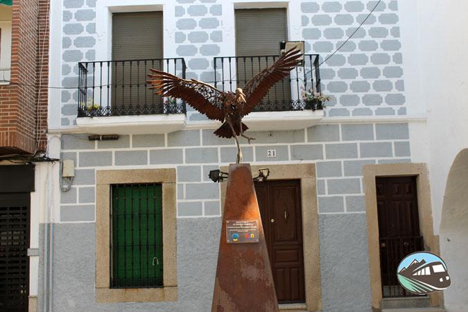 Monumento a la Cigüeña - Malpartida de Cáceres
