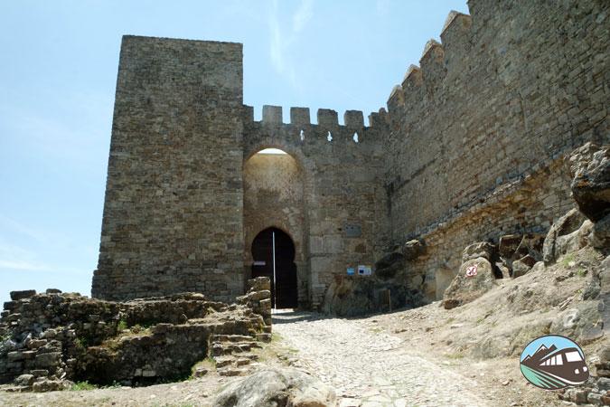 Puerta del castillo - Jimena de la Frontera