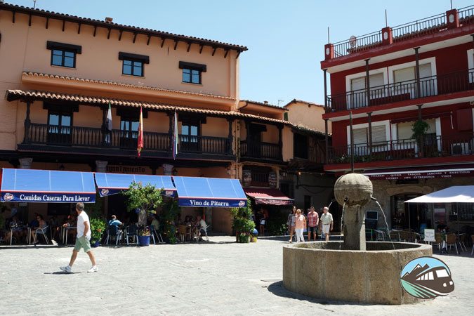 Plaza del 10 de Mayo - Garganta la Olla