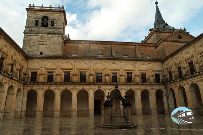 Claustro – Monasterio de Uclés