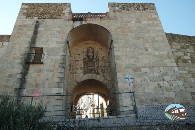 Puerta del la Guía – Coria