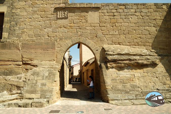 Puerta de la Villa de Briones