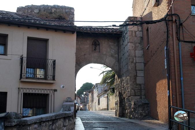 Puerta de la muralla - Torrelaguna
