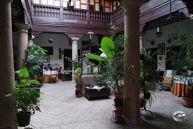 Casa del Caballero del Verde Gabán